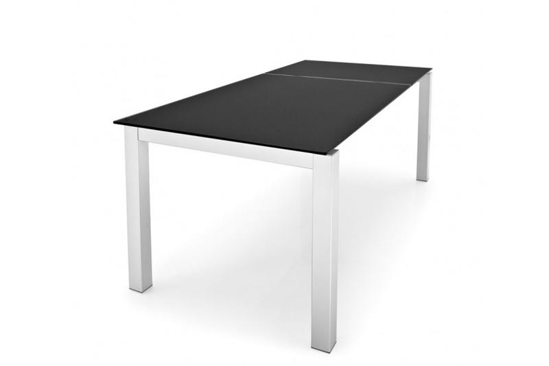 Airport extendable dining table by calligaris for Calligaris airport